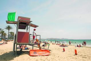 El equipo de socorristas que cubrirá las playas de Ibiza no tendrá apoyo de personal sanitario