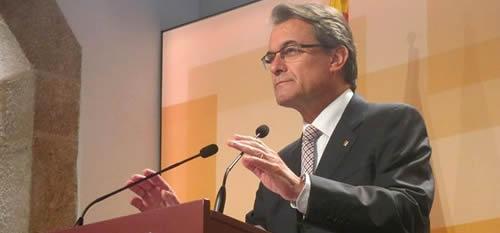 El Constitucional suspende la consulta de Mas y sus actos de preparaci�n