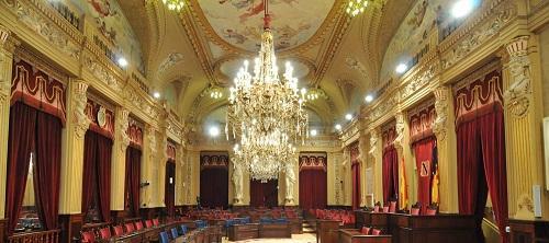http://www.noticiasmallorca.es/imatges/fotosweb/2013/12/18/1637parlament.jpg