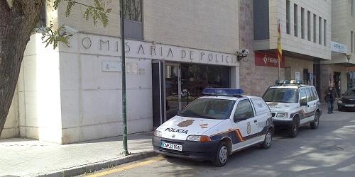http://www.noticiasmallorca.es/imatges/fotosweb/2014/02/21/1395policia-manacor.jpg