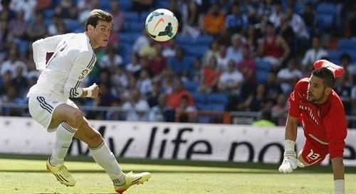 Bale sufre una lesi�n muscular que podr�a apartarle del 'cl�sico'