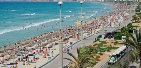 http://www.noticiasmallorca.es/imatges/fotosweb/2014/07/08/7177playa-palma.jpg