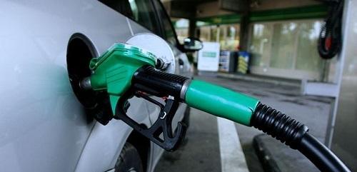 La gasolina sube un 0,4% y el gas�leo baja un 0,2% en el arranque de Semana Santa