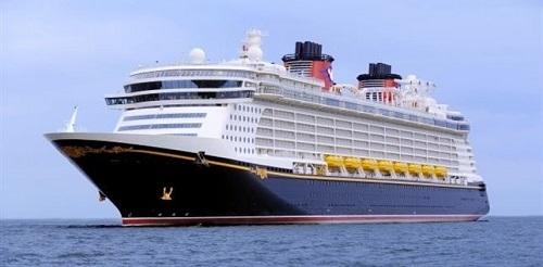 Cort pide a Autoridad Portuaria avanzar en la limitación de cruceros en Palma