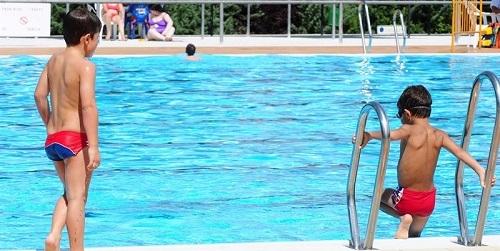 Aprender a nadar a edades tempranas es clave para el entretenimiento y la seguridad