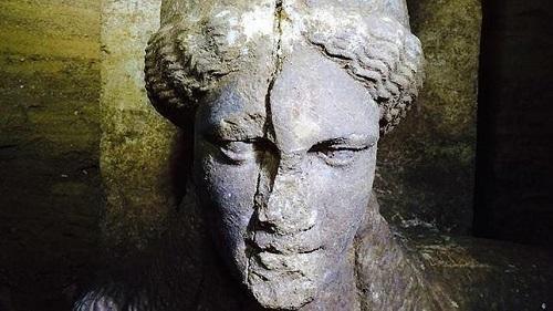 Hallan restos �seos donde se cree que fue enterrado Alejandro Magno