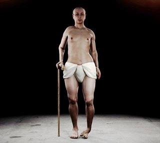 Tutankamon ten�a un pie zambo, caderas anchas y dientes de conejo