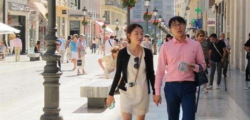 El Gobierno apuesta por captar el turista que m�s gasta y destaca el aumento del 20% de visitantes asi�ticos
