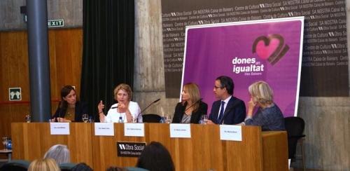 Llin�s anima a la creaci�n de empresas lideradas por mujeres 'como agentes de un cambio social necesario'