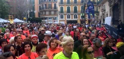 Cerca de 2.000 personas participan en la Marcha contra la violencia de g�nero Nordic Walking Ciutat de Palma