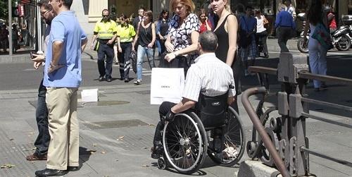 Las personas con discapacidad ya pueden beneficiarse del descuento de residente a su vehículo en los trayectos interinsulares