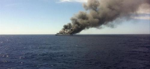 El Pleno del Consell pide la restricción de las emisiones contaminantes en la navegación en el Mediterráneo