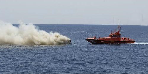 Un incendio calcina una embarcaci�n y da�a otras dos en el Portitxol