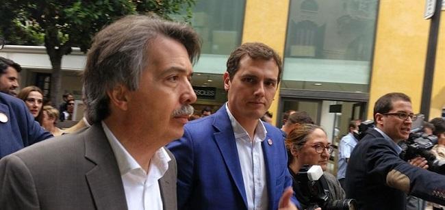 http://www.noticiasmallorca.es/imatges/fotosweb/2015/08/26/6534pericay-rivera.jpg
