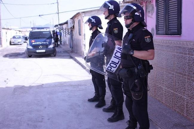 Detenidas 15 personas, cuatro de ellas menores de edad, en el macro operativo en Son Banya