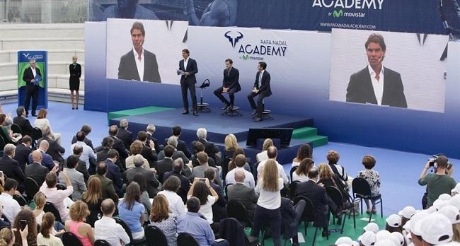 Rafa Nadal inaugura la 'Rafa Nadal Academy by Movistar' con la presencia de Roger Federer