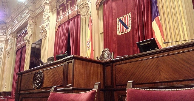 http://www.noticiasmallorca.es/imatges/fotosweb/2016/12/23/1613parlamento.jpg