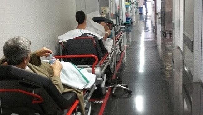 El IbSalut abre 73 camas y contrata más de un centenar de profesionales por la presión en urgencias