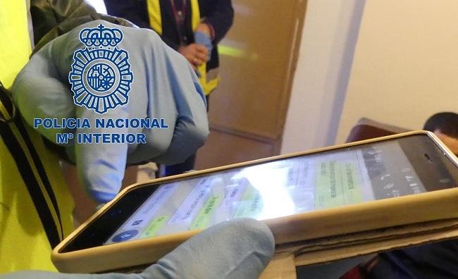 La Policía Nacional desmantela la mayor red internacional de distribución de pornografía infantil a través de WhatsApp