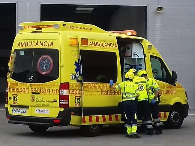 Simulacro de colisión de un autobús en Menorca con intervención de los servicios de emergencias
