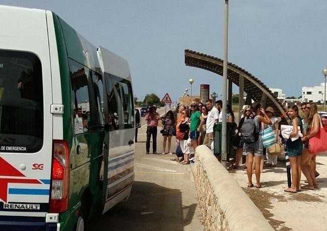 La lanzadera a la playa de Es Trenc se pone en marcha mañana lunes 1 de julio