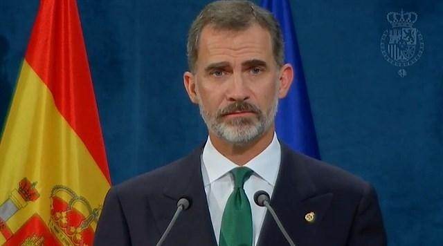 El Rey dice que el 'inaceptable intento de secesión' en Cataluña se resolverá con instituciones y valores democráticos