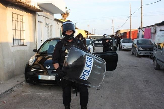 http://www.noticiasmallorca.es/imatges/fotosweb/2018/05/11/9037policia-banya.jpg