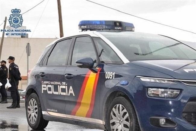 La Policía Nacional detiene al autor de un robo con fuerza en una oficina y por apropiarse de siete vehículos Scooters