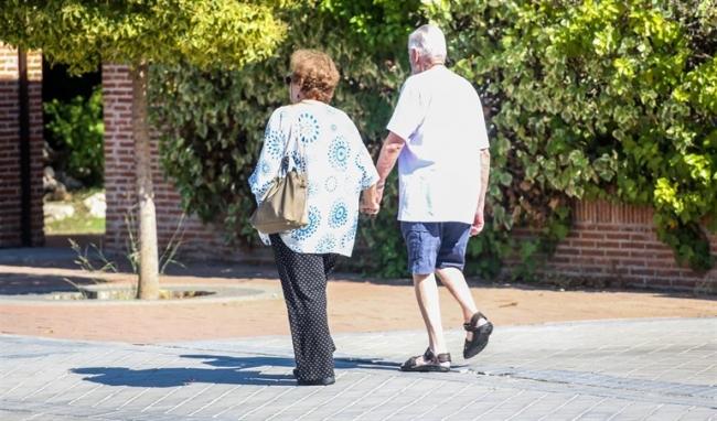 Los grupos parlamentarios han presentado el documento conjunto sobre el envejecimiento de la población de Baleares