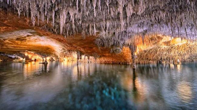 Las cuevas sumergidas de Mallorca aportan datos sobre lo que ocurrirá con el cambio climático