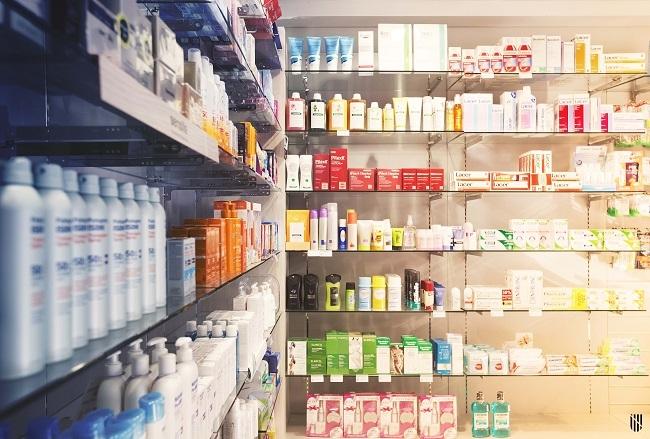 Sanidad revisa el precio de 16.872 medicinas y ahorrará 170 millones