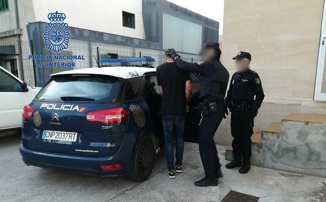 La Policía Nacional detiene en dispositivos diferentes a dos personas por robar en las habitaciones de hoteles