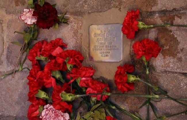Se instala la primera Piedra de la memoria en Porreres en homenaje al alcalde fusilado Climent Garau Juan