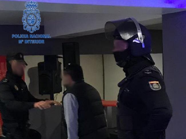 La Policía Nacional realiza varios controles en diferentes locales de ocio