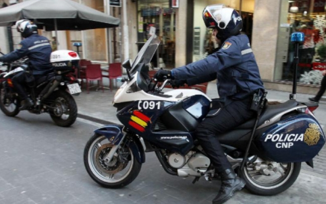 La Policía Nacional detiene a una persona por un delito de robo con fuerza y cinco delitos de hurto