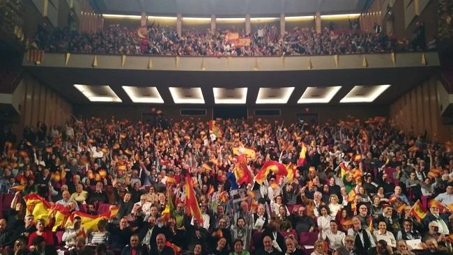 VOX Baleares llena el Auditorium de Palma  con 1.700 personas en el arranque de  la precampaña