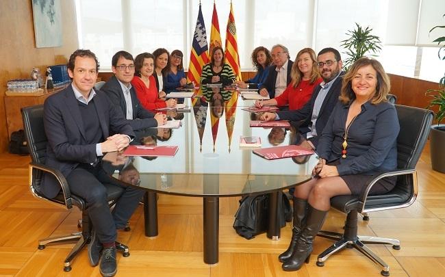 Medallas de Oro a Josep Massot i Muntaner y al movimiento de solidaridad movilizado en el Llevant de Mallorca