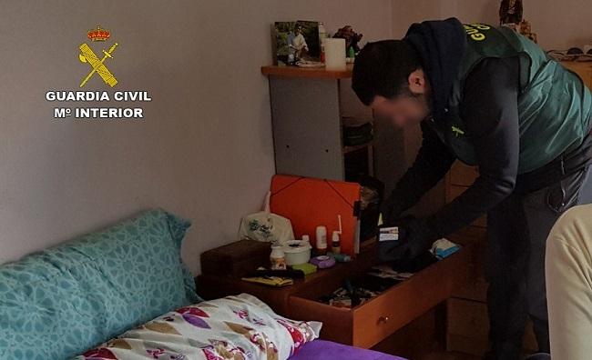 La Guardia Civil desmantela un punto de venta de drogas en Alcudia con la detención de su responsable