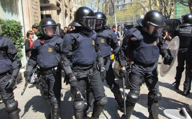 La Policía Nacional denuncia la agresión de tres agentes durante el último desahucio en Palma