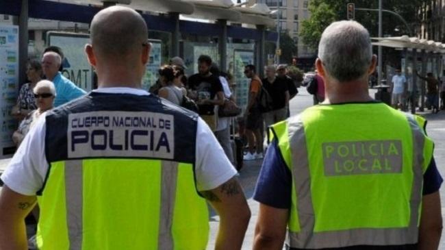 La Policía Nacional detiene a una pareja por diversos hurtos al ir a desembarcar en Ibiza