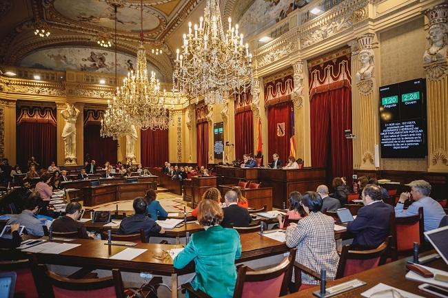 https://www.noticiasmallorca.es/imatges/fotosweb/2019/03/06/4815parlamento.jpg