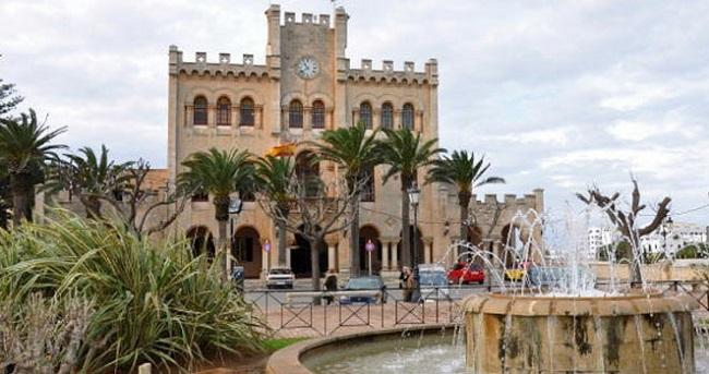 Una mujer atacada y herida en Menorca por un hombre con problemas mentales
