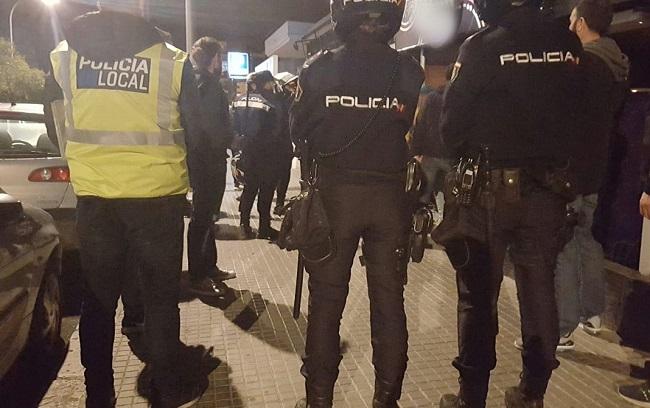 Policía Nacional y Policía Local siguen con controles en locales de ocio y vía pública