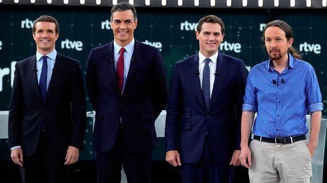 Los indultos y la corrupción marcan un debate entre cuatro pero a dos bandos