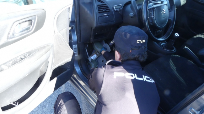 Un detenido en el ferry con destino Ibiza al que le constaba un ingreso en prisión