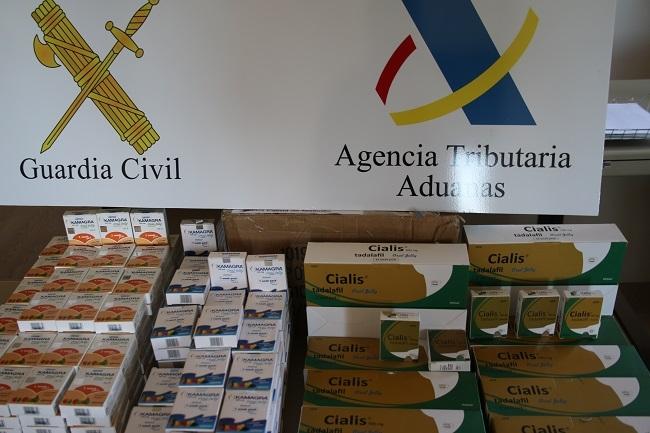 La Guardia Civil y la Agencia Tributaria detienen a un hombre con más de 4.500 pastillas de viagra