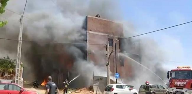 Tres heridos muy graves en el incendio de un edificio okupado en Ibiza