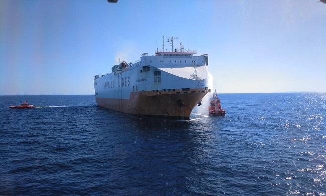 Incendio de un mercante italiano al sur de Mallorca