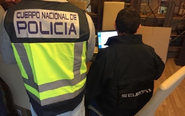 La Policía Nacional detiene a un hombre por tres delitos de robo con fuerza en vehículo y dos en vivienda
