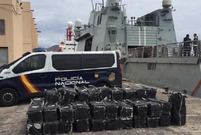 La Policía Nacional intercepta un pesquero cargado con 1.500 kilos de cocaína en aguas internacionales cercanas a Canarias